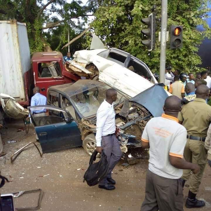Nasty Trailer Accident at Kiira Road